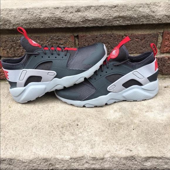 173d6d44221d4 Nike Shoes - Nike Air Huarache